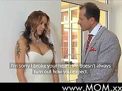 Mãe esposa a ser fodida em seu casamento