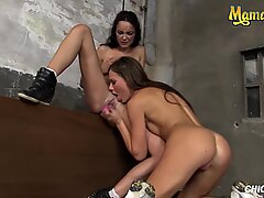 Chicas Loca - Zlobivé lesbičky Tina Kay má Vlhké orgasmy s Francys Belle