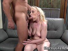 Bunica fata stropita cu sperma