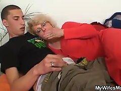 Manželka ho najde rozdrtit na starou maminu a rozbije se