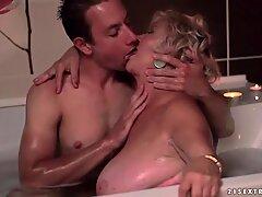 胖子奶奶和年轻人做爱hot浪漫之爱