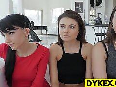 Fantastiskt lesbisk orgie med vacker tjejer