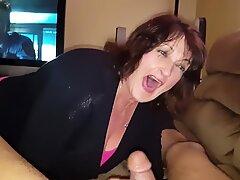 Chesty Mor Peggy absorberer min spyd